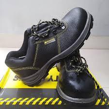 Giày bảo hộ 1