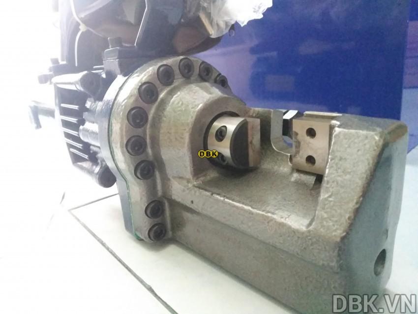 Máy cắt sắt thép thủy lực 4